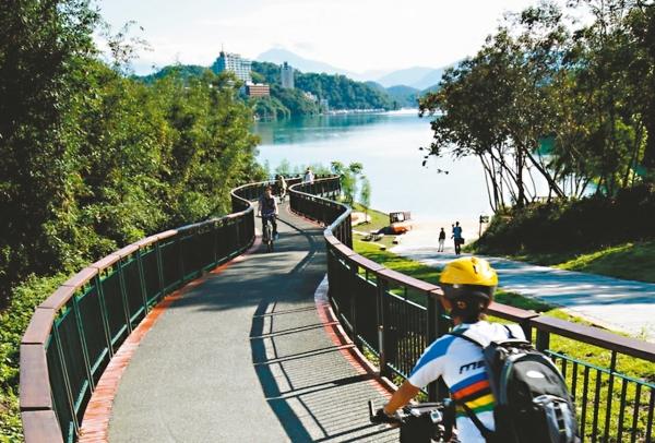 日月潭自行車道全球驚艷!身為台灣人,一生至少要走一趟... - 華安 - ceo.lin的博客